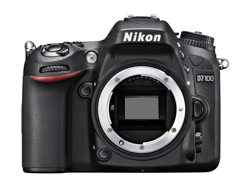 Das Bajonett einer DSLR ist empfindlich. Vorsicht beim Anschließen des Objektivs. Quelle: Nikon Bilddatenbank
