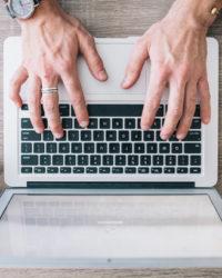 Lifestyle- und Kommunikationsblogger sind unterschiedlich und doch wieder nicht. Sie können viel voneinander lernen, wenn sie ihre Skepsis gegeneinander aufgeben.