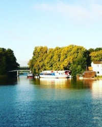 Mit dem Boot teste ich als Bloggerin das ortsunabhängige Arbeiten auf einem Boot.