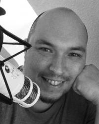 Gordon Schönwälder ist Podcaster und sein Podcast heißt Podcasathelden