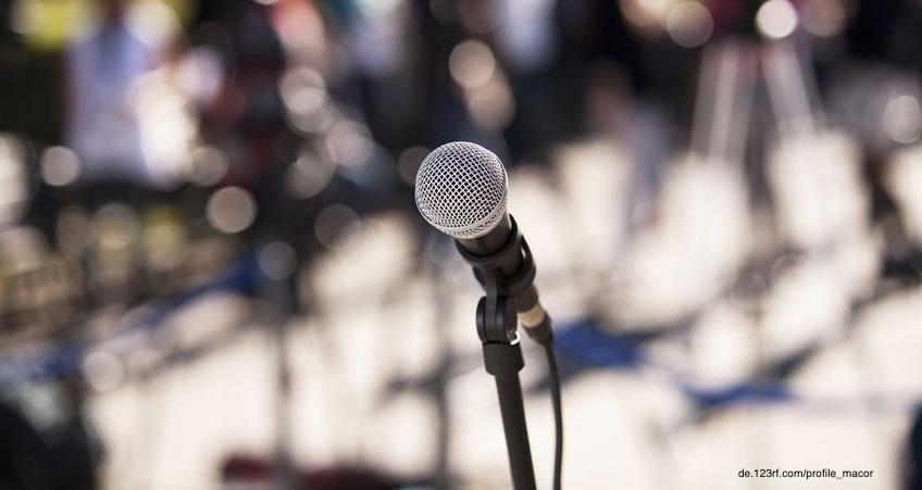 Mikrofon auf einem Ständer