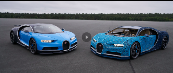 Lego baut ein Auto mit Bugatti. Zwei Sportautos stehen sich auf einer Straße gegenüber.